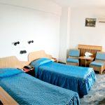 caera dubla twin bed room